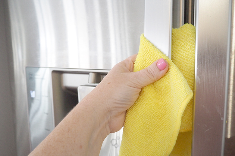 Natural Ways To Clean Stainless Steel Appliances And Bring Back Their Shine