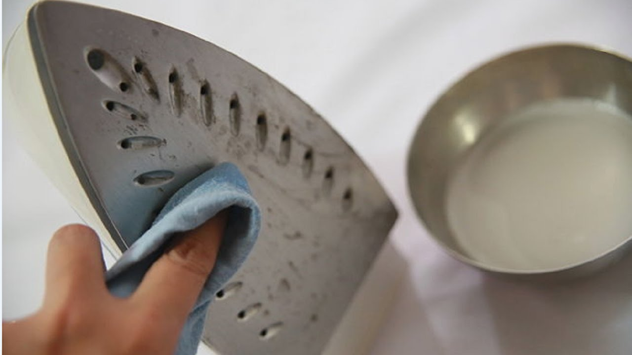 How To Clean A Burnt Iron Soleplate With Vinegar And Salt